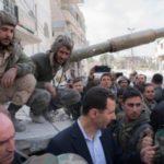 Al Assad visita a las tropas en el frente de Ghuta Oriental