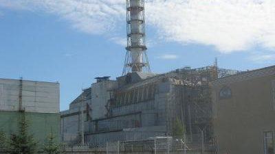 El presidente de Ucrania, Petro Poroshenko, ha rendido homenaje a las víctimas del accidente nuclear de la central de Chernóbil, del que se cumplen este jueves 32 años, al tiempo […]