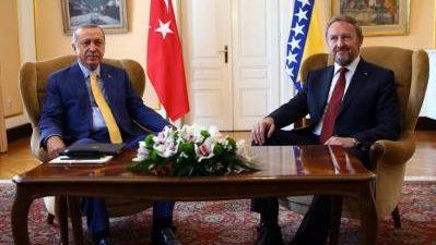 ESTAMBUL, 20 El presidente turco, Recep Tayyip Erdogan, ha denunciado este domingo un complot para asesinarle del que le ha informado la Organización Nacional de Inteligencia (MIT). Erdogan ha hecho […]