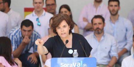 """MÁLAGA, 23 La exvicepresidenta del Gobierno y candidata a la Presidencia del PP, Soraya Sáenz de Santamaría, ha afirmado que se presenta """"no sólo para ganar el Congreso del PP, […]"""