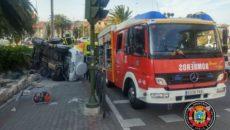 Una mujer ha resultado herida tras volcar su vehículo en la rotonda que une la Avenida de los Castros con la Bajada de San Juan, en Santander, y quedar atrapada […]