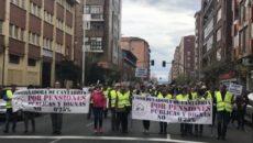 """Unas 300 personas han exigido este sábado en Santander que se garanticen unas pensiones """"públicas y dignas"""" y que éstas queden """"blindadas en la Constitución"""" para que """"ningún gobierno pueda […]"""