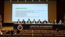 La Junta de Accionistas del Real Racing Club de Santander ha aprobado este sábado un presupuesto de 3,5 millones de euros para la temporada 2018-2019. En la reunión, celebrada en […]