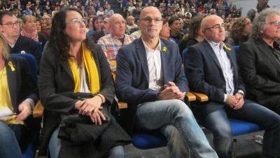Explica en un libro escrito en prisión que Puigdemont no le contó que él organizaría el 1-O BARCELONA, 20 El exconseller de Exteriores de la Generalitat Raül Romeva considera que, […]