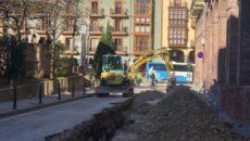 TORRELAVEGA, 12 El Gobierno de Cantabria y el Ayuntamiento de Torrelavega han comenzado este fin de semana las obras de peatonalización de la calle Ancha y la calle Carrera, que […]