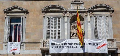 BARCELONA, 21 La ANC ha pedido este jueves llenar los balcones de Cataluña de esteladas en plena polémica por la demanda de la Junta Electoral Central (JEC) de retirar lazos […]