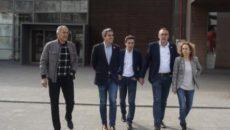 El secretario general del PSC-PSOE y candidato a la Presidencia de Cantabria, Pablo Zuloaga, y su homólogo en Santander, Pedro Casares, han coincidido este lunes, durante una visita al Hospital […]