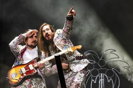 Unas 14.500 personas han acudido este año al Santander Music Festival, que arrancó el jueves y concluyó anoche, en la que fue la jornada más multitudinaria de las tres, con […]