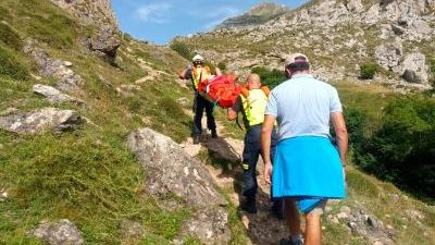 SANTANDER, 14 Bomberos de Emergencias Cantabria 112 del parque de Tama han rescatado esta tarde a una mujer de 60 años, vecina de San Sebastián, que se ha torcido el […]