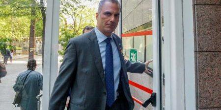 """El secretario general de Vox, Javier Ortega Smith, ha dicho este martes que es """"lógico"""" el preacuerdo entre PSOE y Podemos al ser ambas formaciones """"de izquierda radical, de extrema […]"""