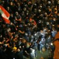 (EUROAP PRESS) Al menos 165 personas han resultado heridas durante los graves disturbios ocurridos este sábado entre manifestantes y efectivos de las fuerzas de seguridad en las inmediaciones de la […]