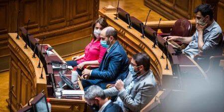La aprobación de los Presupuestos Generales presentados por el Gobierno socialista de Portugal corre peligro después de que el Bloque de Izquierda haya anunciado este domingo que votará en contra, […]